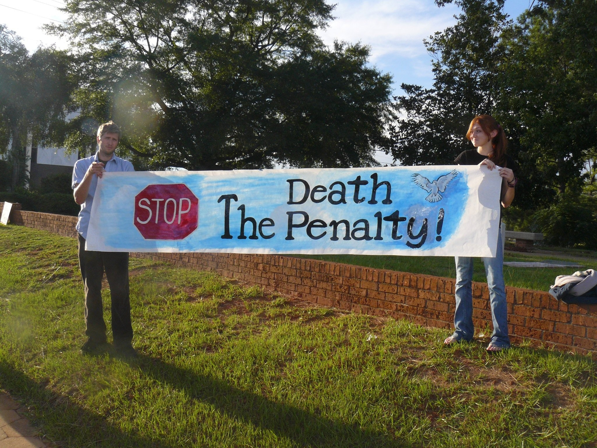 "an analysis of the controversial arguments on the morality and justice in death penalty Contrary to modern abolitionist arguments, the inherent morality of the death penalty does not stand or fall on the fallibility of judges, jurors, and lawyers, or the government's ability to administer justice ""fairly""."