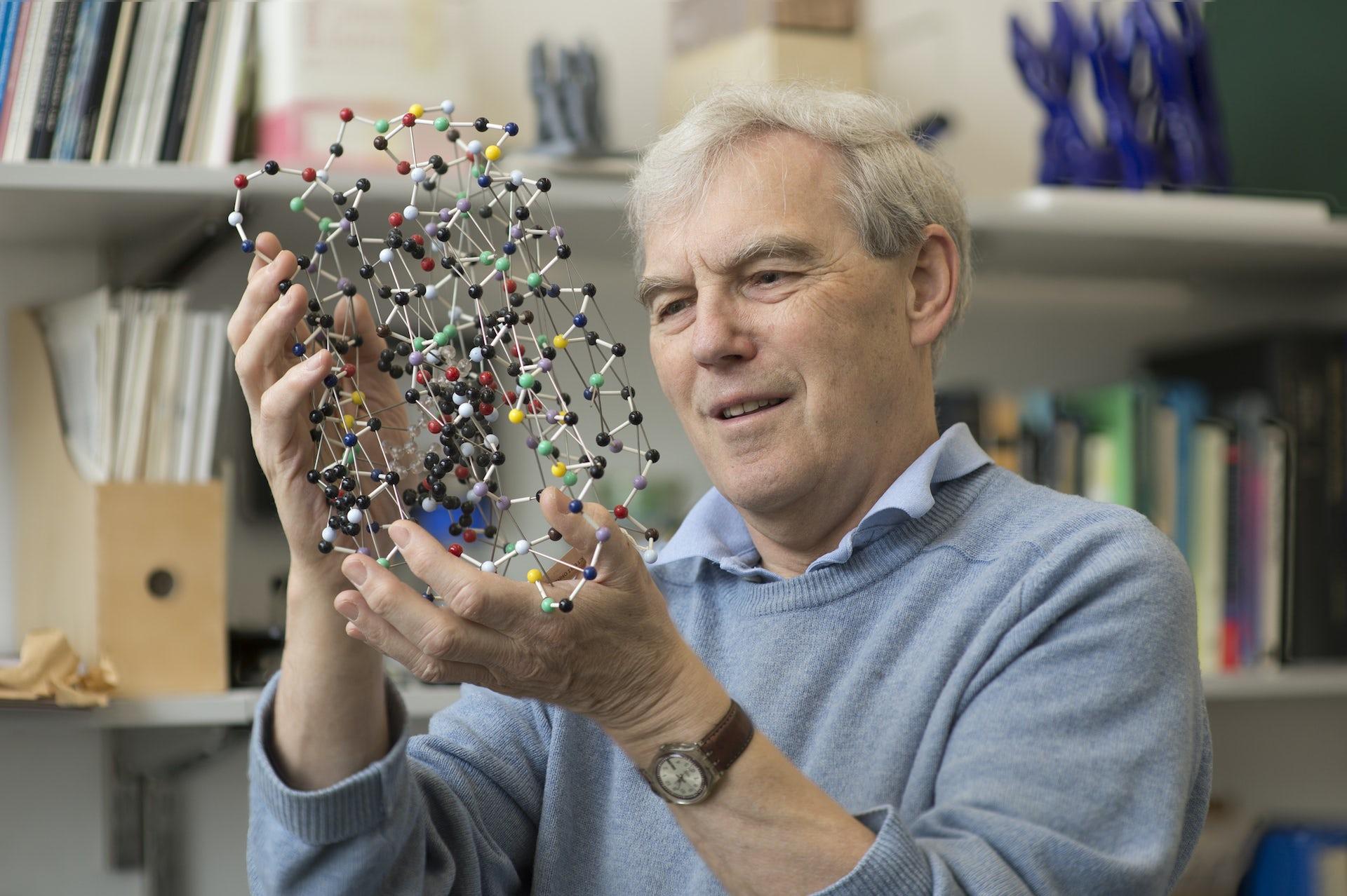 Fathers of Electronic Cryomicroscopy Win Chemistry Nobel Award
